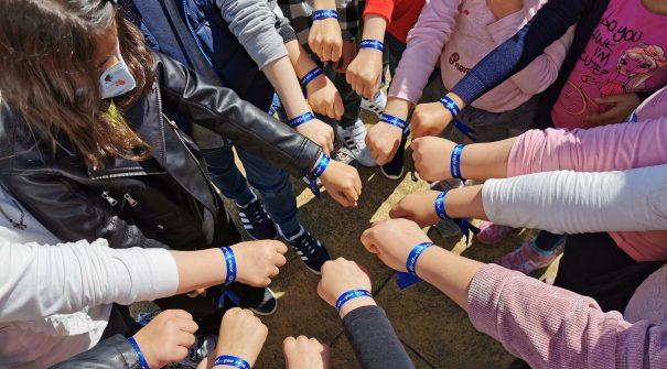 """CPCJ entrega kits no âmbito da iniciativa """"Laço Azul"""""""